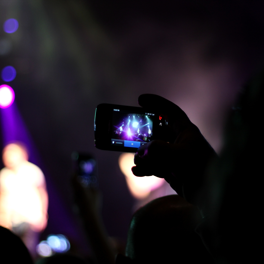 An Open Letter to Snap-Happy Gig-Goers