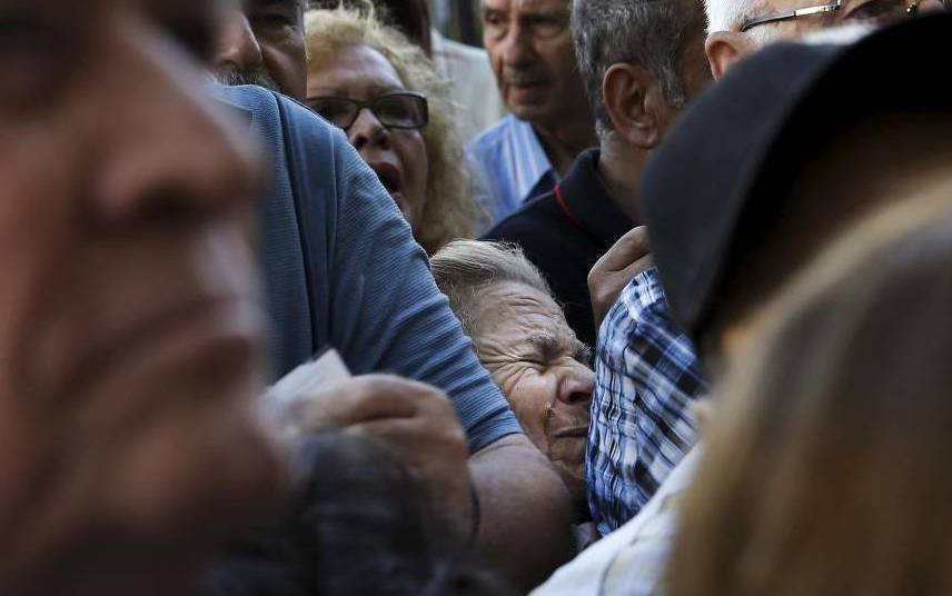 Greece_pensioner_s_3367633k[1]